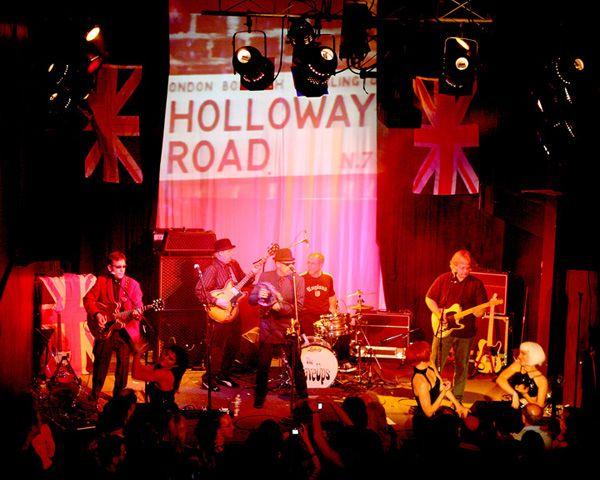 http://www.theraveups.com/gallery/2006-05-20_BIN1/RaveUpsBIN1B.jpg