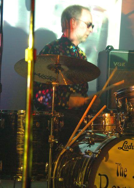 http://www.theraveups.com/gallery/2006-07-15_BIN2/The-drummer.jpg